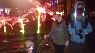 China Lights winter 2014-15 prachtig licht spektakel - op stap met de familie. oh onze kleine superheld nog zo mini