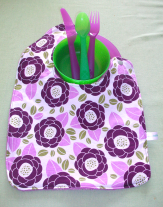 paars en groen voor een bloem