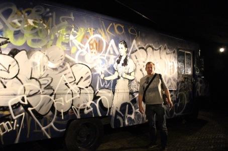 banksy-moco-bus