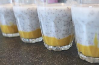 chai-pudding-met-overheerlijk-mango-puree