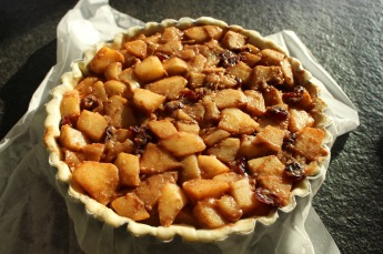 appel-cranberrytaart-met-haver-noten-crumble-vullen-van-de-taart