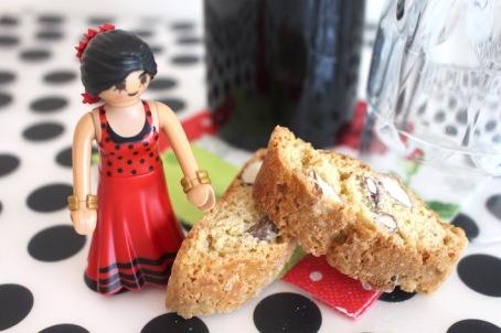 biscotti-heerlijk-bij-glaasje-rode-dessertwijn