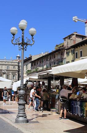 markt-piazza-delle-erbe-hoeden