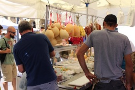 markt-porta-palazzo-kazen-en-zuivel