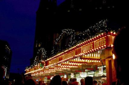 kerstmarkt-aken-bratwurst-en-haxen