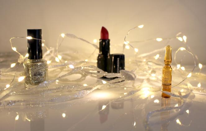 laat 2017 knallen met moisturising lipstick - flash Lift en glitter topcoat.png