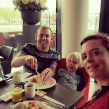 familieuitstap tilburg - hotel bastion - ontbijt