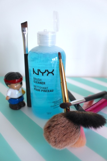 Brush Cleaner - NYX - testing