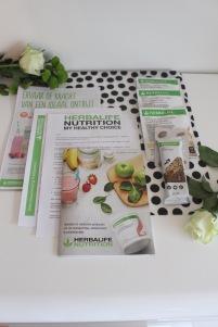 Herbalife - testpakket ontbijtprogramma - Formule 1 voedingsshake - maatijdvervangende reep - gebruiksaanwijzing - productbrochure