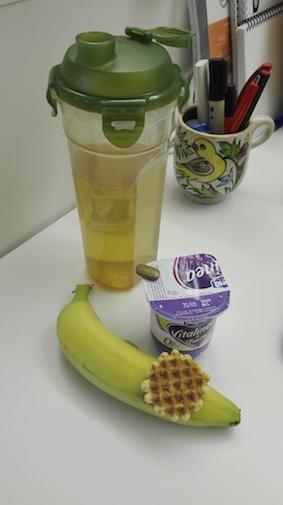 test Herbalife dag 2 - Thermo complete tabletje - banaan en yoghurt en koekje