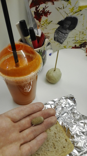 test Herbalife dag 4 - Thermo complete tabletje - verse wortelsap en boterham