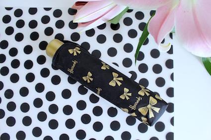 Shoplog Harrods London - harrods paraplu met gouden strikjes