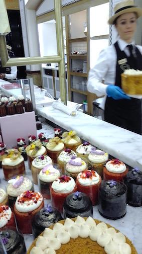 Shoplog Harrods London - heerlijke taartjes