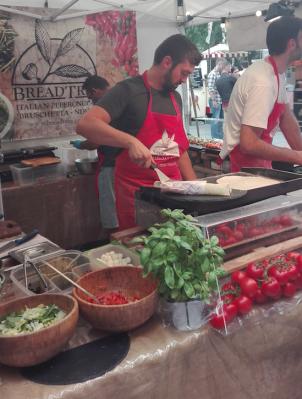 Southbank Centre Food Market - tomaatjes en basilicum kan nooit slecht zijn