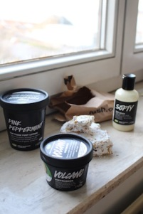 Lush voetcare - Foot Soak - volcano voetmasker - softy marshmallow lotion - pink peppermint voetcrème