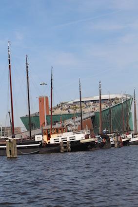 Uniek zicht op musea - groetjes vanop de Amsterdamse grachten - canal cruise