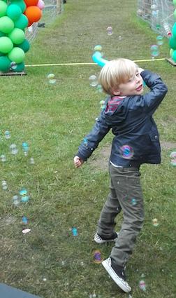 Tuindagen Beervelde - ballonzwaard en zeepbellen